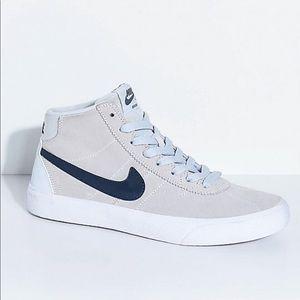 Nike, SB Bruin High